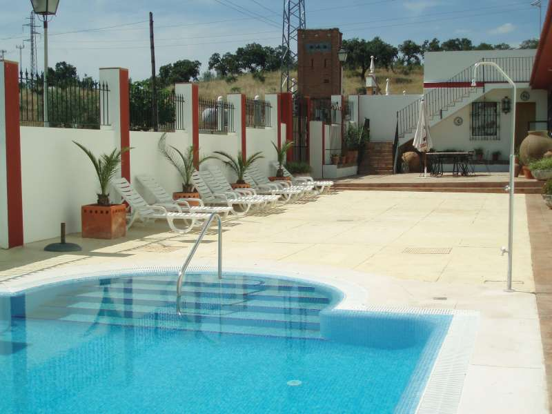 Piscinas en sevilla excellent swimming pool with piscinas for Piscinas abiertas en sevilla